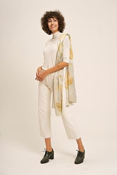 Silk and Cashmere Kazak Ekru